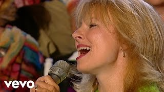 Bill & Gloria Gaither - El Shaddai [Live] ft. Janet Paschal