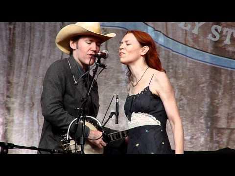 """Six White Horses"" Gillian Welch and David Rawlings at HSB 2011"