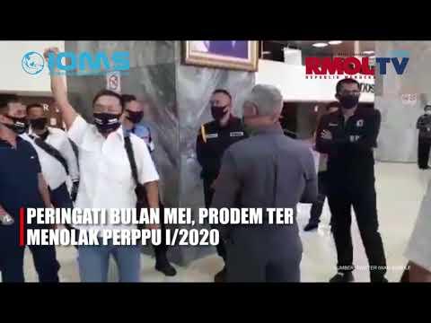 Peringati Bulan Mei, ProDEM Terobos DPR Menolak Perppu 1/2020