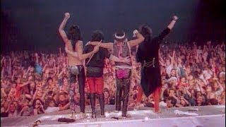 Mötley Crüe - Home Sweet Home (Official Music Video)