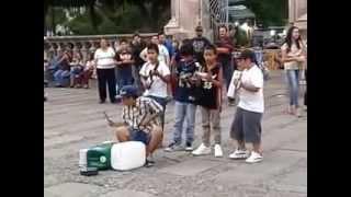 preview picture of video 'Niños cantando y tocando cumbia en Aguascalientes Jardín de San Marcos 2014'
