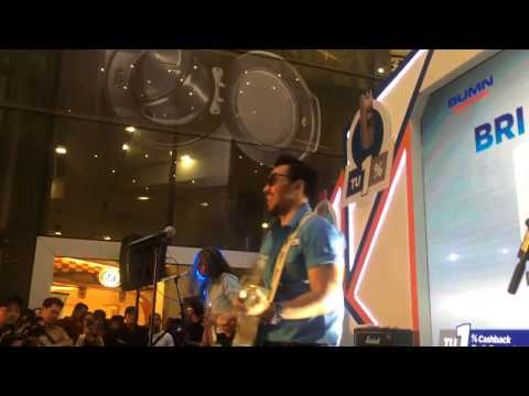 NAIF - Senang Bersamamu Live at Gandaria City (BRI Easy Card event)