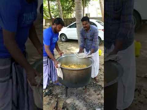 Provide food support to Avisho school by Naina Mohamed College 2003 Singai Udhavum Karangal friends