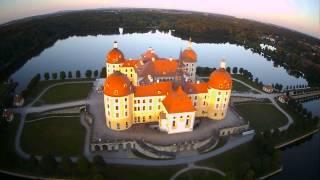 preview picture of video 'Jagdschloss Moritzburg, aus der Luft FPV Sachsen'
