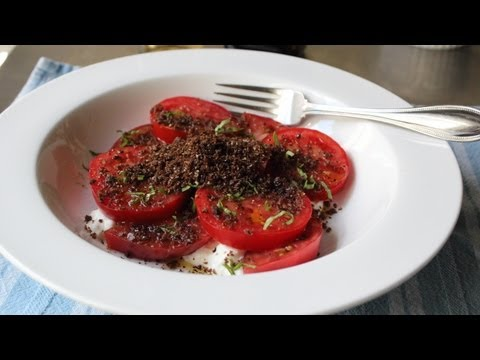 "Tomato & ""Dirt"" Salad – Fresh Tomatoes with Crispy Rye Crumbs"