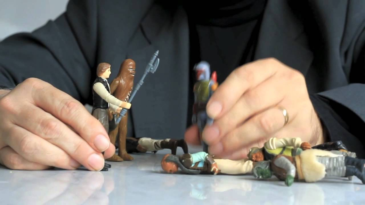 Colin Mochrie Acts Out Star Wars Scenes With His Favourite Figurines