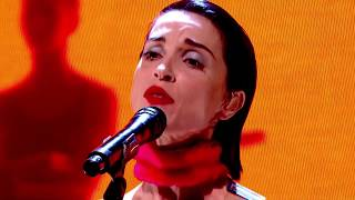 Gambar cover St. Vincent - Los Ageless (live at The Graham Norton Show)
