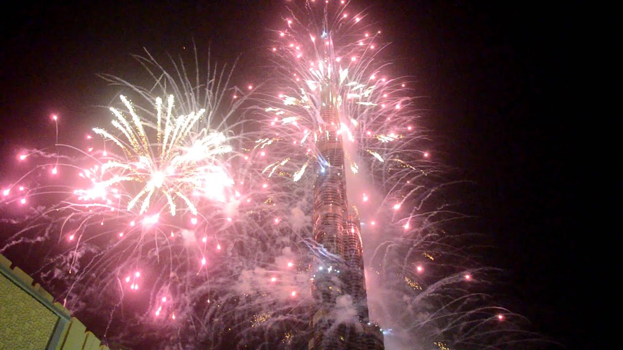World's Tallest Building Shows Off World's Awesomest Fireworks Display