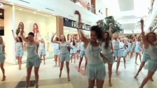 Смотреть онлайн Великолепный флешмоб в торговом центре Москвы