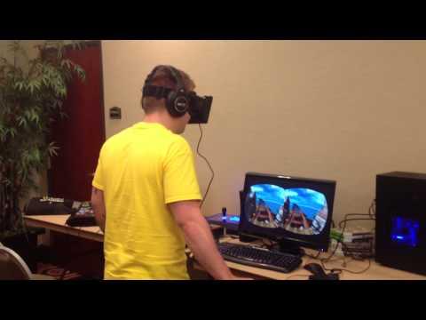 Shock khi chơi game thực tế ảo.
