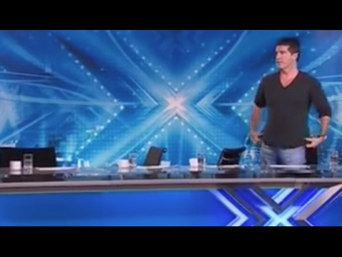 Simon Has To Tell Judges To Leave Because They Can't Just Stop LAUGHING (видео)