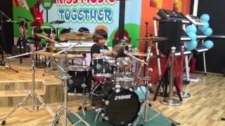 Khả năng kỳ lạ của cậu bé Việt Nam chơi trống đẳng cấp thế giới