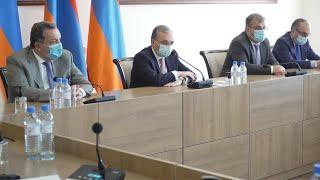 Министр иностранных дел Зограб Мнацаканян принял глав дипломатических представительств, аккредитованных в Армении