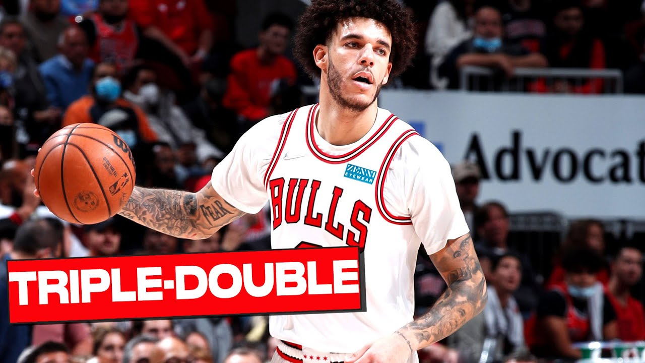 Lonzo Ball Posts First TRIPLE-DOUBLE as a Chicago Bull 🙌