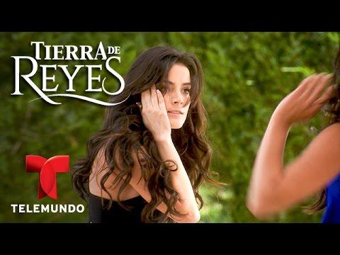 Tierra de Reyes | Mira las mejores cachetadas y peleas de la novela | Telemundo