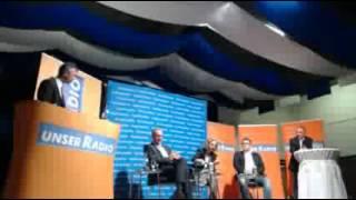 preview picture of video 'Fragerunde nach Podiumsdiskussion - Bürgermeisterwahl 2012 in Regen'