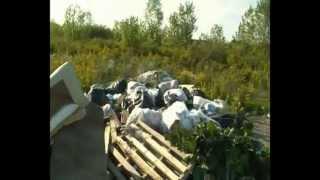 preview picture of video 'Rifiuti in via De Barrociai e via Montessori a Castelfranco di Sotto.mp4'