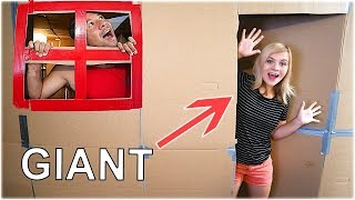 GIANT BOX FORT CHALLENGE! (OMG!) // SoCassie