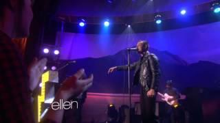 The Killers   Runaways Live At Ellen Degeneres 2012 [hq]