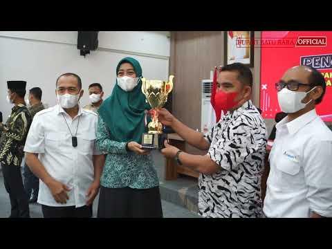 Bupati Batu Bara Serahkan Piala Bergilir Lomba Potensi dan Inovasi Desa 2021