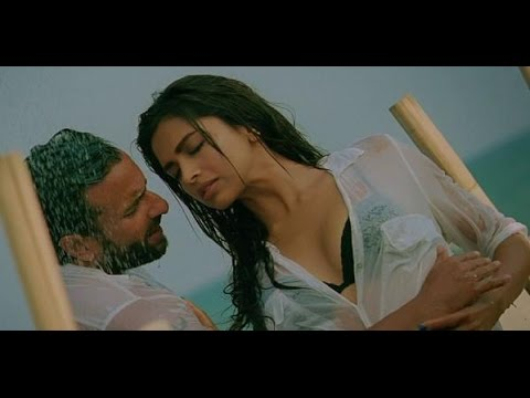 Download Deepika Padukone Hot Scene HD Mp4 3GP Video and MP3