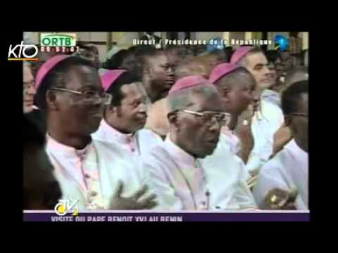 Les premières images du voyage de Benoît XVI au Bénin