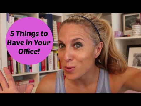 What's On Your Desk?? 5 Things to Keep in Your Office in 90 Seconds