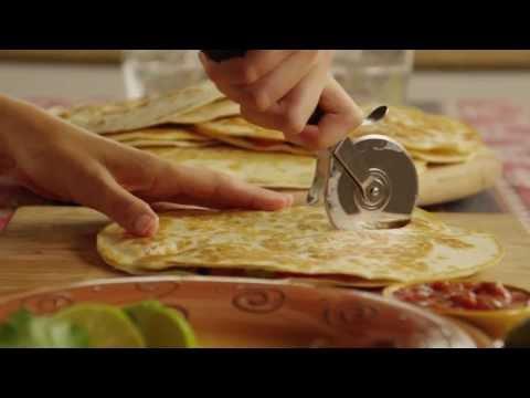 Video How to Make Quesadillas - Quesadilla Recipe