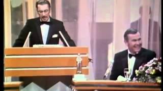 Download Video Groucho Marx Roasts Johnny Carson MP3 3GP MP4