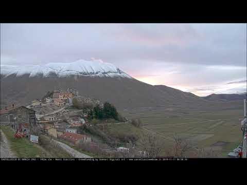 Ecco la prima neve: imbiancato il monte Vettore