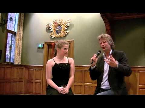 play video:Valentina Tóth wordt geinterviewd door Hans Haffmans - deel 2