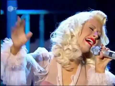 Christina Aguilera - Hurt (Video Live)