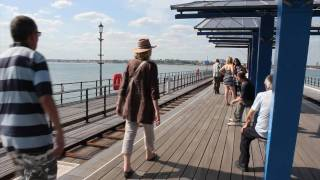 preview picture of video 'Canon 550D Test Video - Southend on Sea - Pier'
