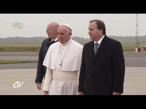 Arrivée du Pape François en Suède