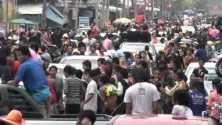 preview picture of video 'Songkran 2011 Roi Et Province, Thailand, (part15)'