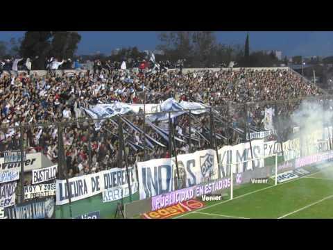"""""VENGO DE UN BARRIO CERVECERO"" Arsenal 1 - Quilmes 2 F17 TF"" Barra: Indios Kilmes • Club: Quilmes"