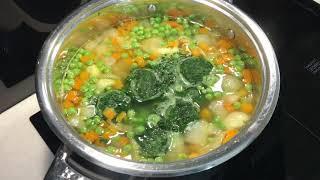 Суп овощной из замороженных продуктов . Рецепт