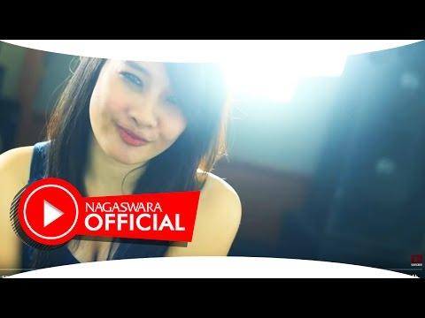 Achie - Masih Perawan (Live Accoustic Version)