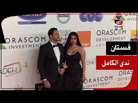 فستان ندى الكامل زوجة أحمد الفيشاوي يخطف الأنظار في ختام «الجونة» السينمائي