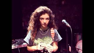 "Lorde singing ""Mama Do"" live by Pixie Lott at 12 Years old (Radio NZ)"