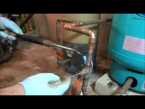 how to fix domestic water pipe leak