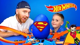 Hot Wheels Crash Challenge & Justice League Play-Doh Surprise Egg Opening | KIDCITY