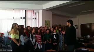 """""""Eja këndo me ne"""" 2017, me nxënësit e korit të formuar në shkollën """"Jeronim De Rada"""""""