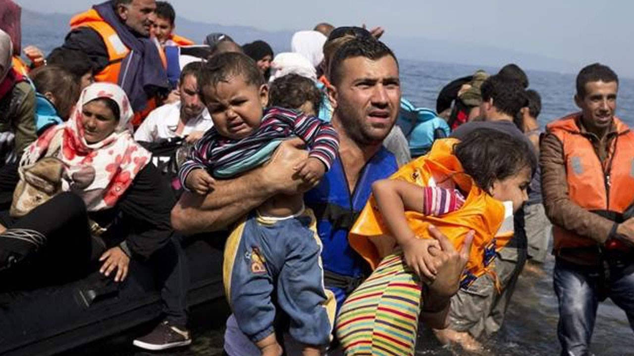 Trump Signs Order On Syrian Refugees thumbnail