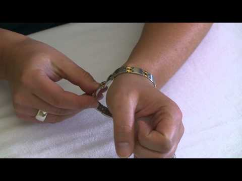 How To Wear Magnetic Bracelets – Link, Cuff & Claspless (Elastic & Magnet Clasp)