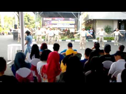 Senam Komando Bank BRI Surabaya