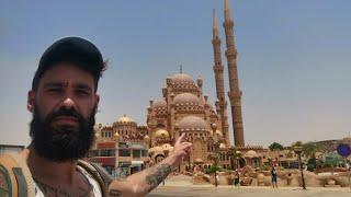 EGIPT – PIĘKNY MECZET W OPARACH ABSURDU