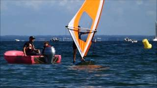 preview picture of video 'STAGE JEUNE WINDSURF GLISSE 7 A 9 ANS'