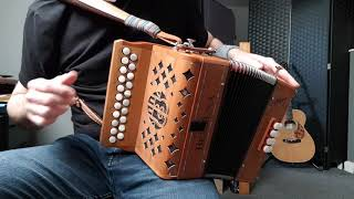 Irish BC button accordion beginner lesson - finding notes / scales