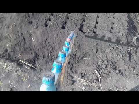 Приспособление для посадки моркови и т.п. как удобно делать лунки.